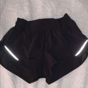LULULEMON black speed up shorts!!!!